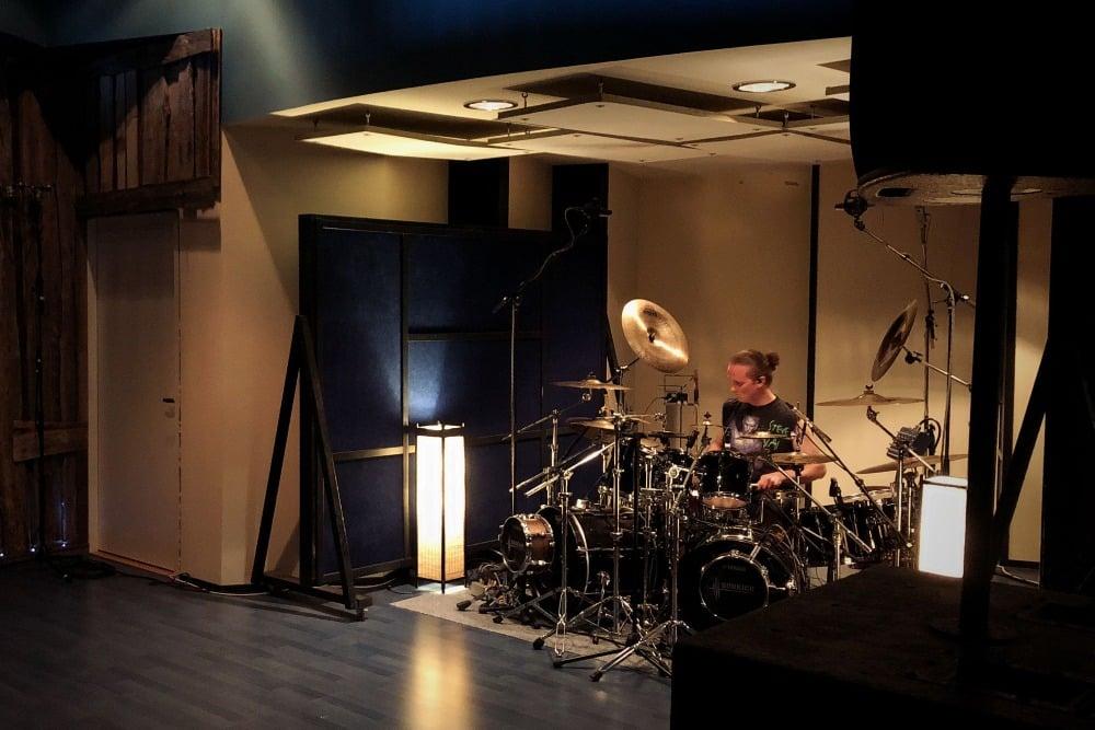 Toni Paananen Astia-studio A drum room