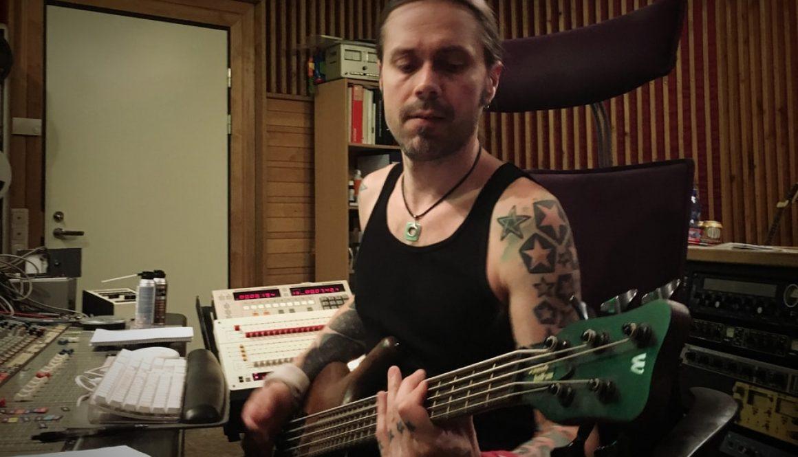 Anssi Kippo recording bass in Astia-studio A