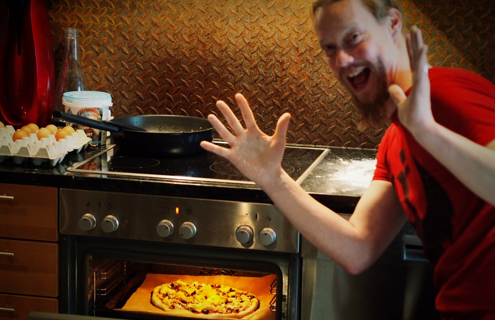 Petri Lindroos from Ensiferum in Astia-studio kitchen
