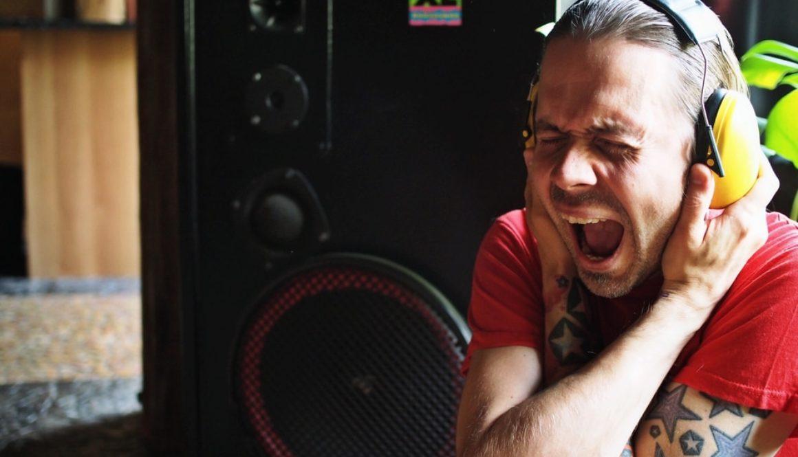 Does music deliver goosebumps?