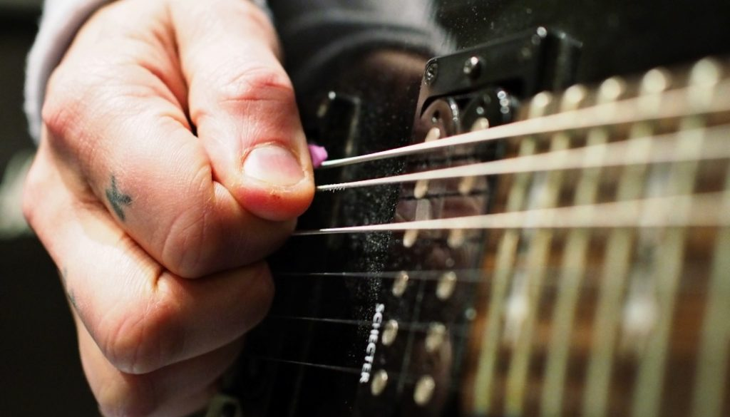 The picking level during tuning – Anssi Kippo 3